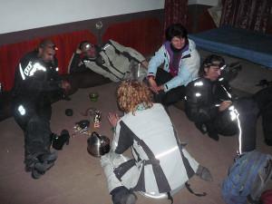 Illanviettoa pakistanilaisella poliisiasemall