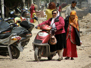 Kashgarin skootterit kulkevat sähköllä